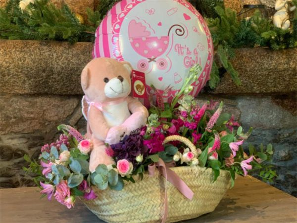cesta-floral-natalicio-con-globo