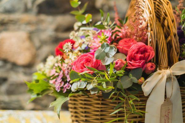 cesta flores magnolia